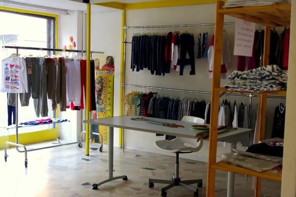 Stocklandia Bimbi - Baby Gear & Furniture - Via Alzaia Naviglio ...