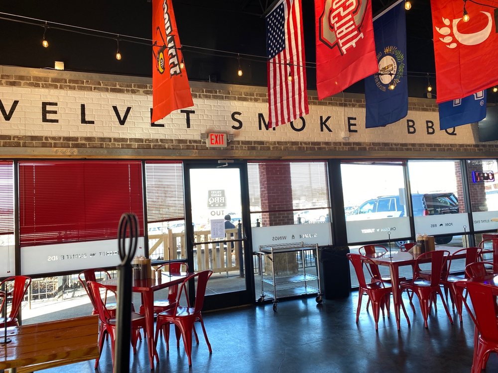 Velvet Smoke BBQ - Crescent Springs: 564 Buttermilk Pike, Crescent Springs, KY