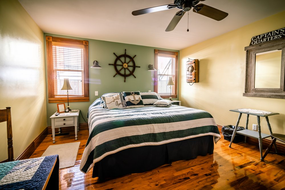 Pleasant Beach Hotel: 14477 Fancher Ave, Fair Haven, NY