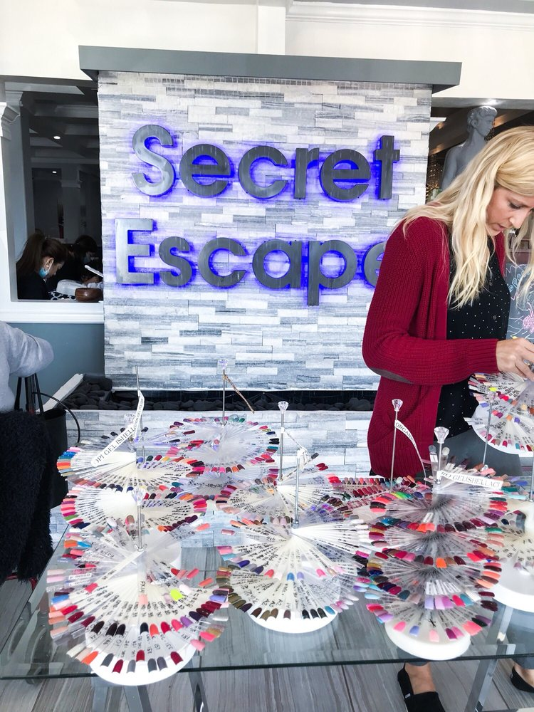 Secret Escape Nail Lounge: 2272 W Holcombe Blvd, Houston, TX