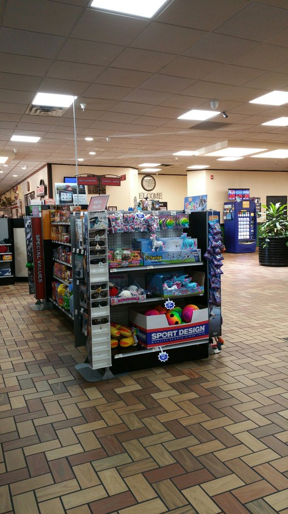 PETRO TRAVEL CENTER: 1808 W Fayette Ave, Effingham, IL