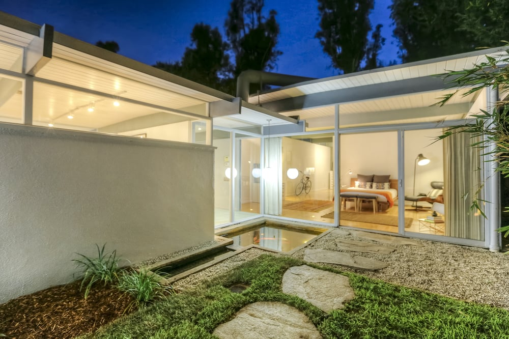 Julia Allos - Hohm Real Estate   6615 Melrose Ave, Los Angeles, CA, 90038   +1 (310) 982-9277