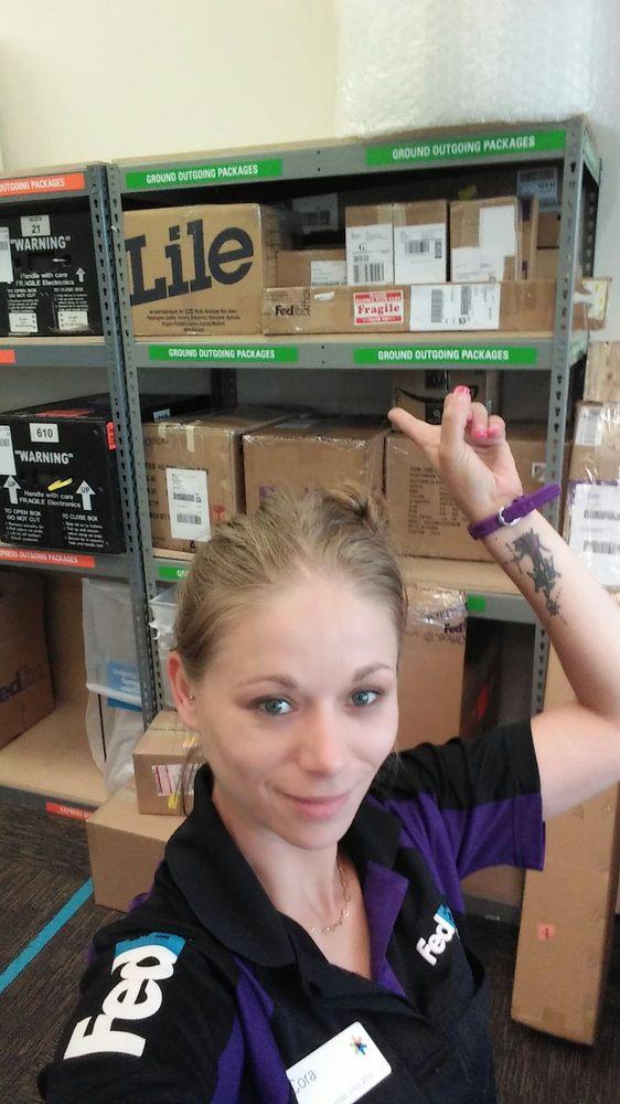 FedEx Office Print & Ship Center: 2535 Jorie Ln NE, Keizer, OR