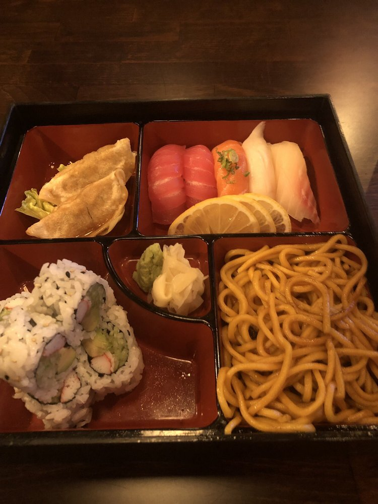 Asaka sushi: 1301 W Henderson St, Cleburne, TX