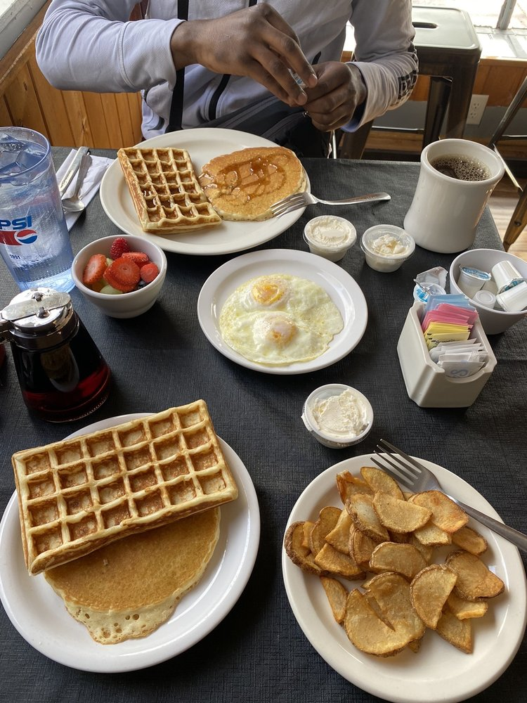 The Omlette House: 216 west 17th Street, Cheyenne, WY