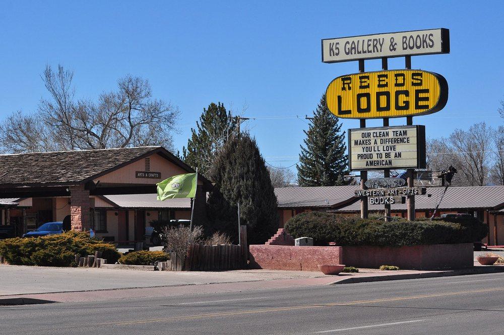 Reed's Motor Lodge: 514 E Yaqui St, Springerville, AZ
