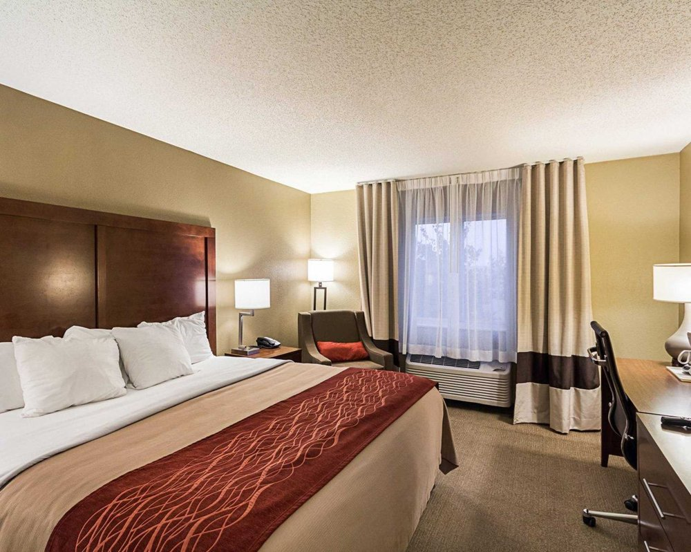 Comfort Inn East: 9525 E Corporate Hills, Wichita, KS