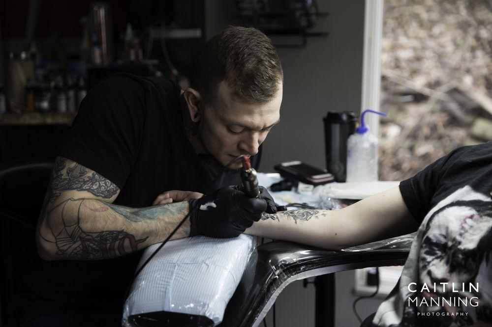 Big Iron Tattoo & Piercing: 4253 Steubenville Pike, Pittsburgh, PA