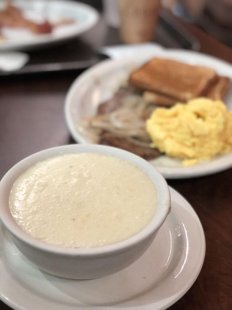 La Carreta Restaurant: 2100 NW 42nd Ave, Miami, FL