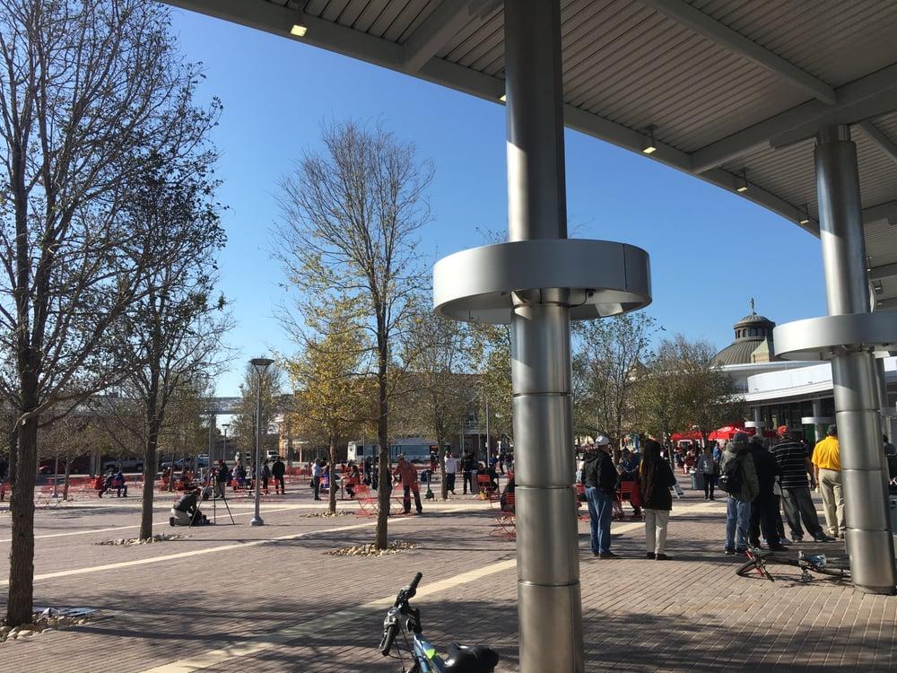 Centro Plaza at VIA Villa
