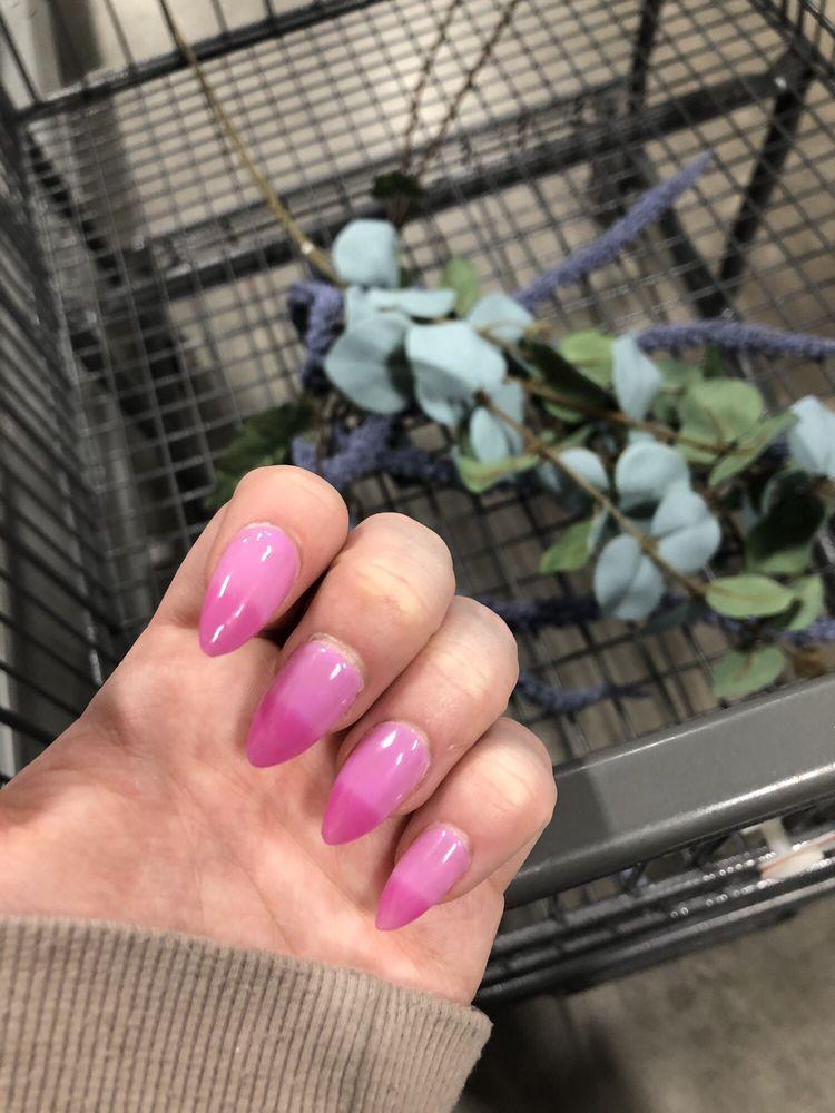 Manlius nails & Spa: 119 West Seneca St, Manlius, NY