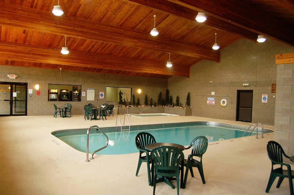 Kavanaugh's Sylvan Lake Resort: 1685 Kavanaugh Dr, Brainerd, MN