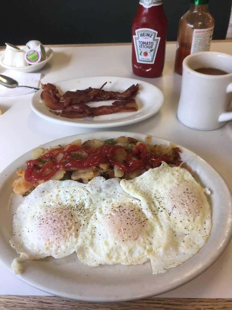 Uncle Buck's Diner: 2 Market St, Belvidere, NJ