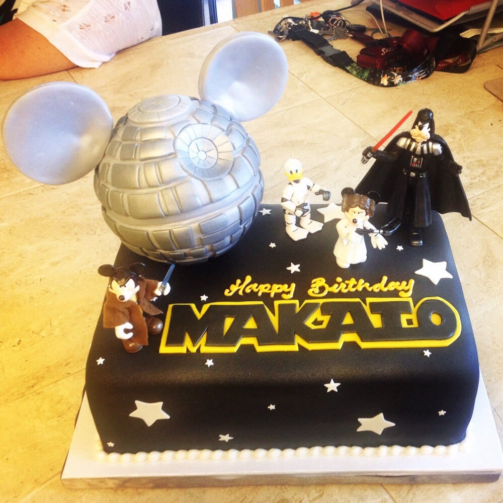 Star Wars Disney Themed Cake Chocolate With Cookies Cream