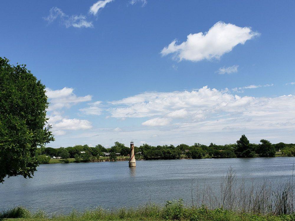 Woodlawn Lake Park