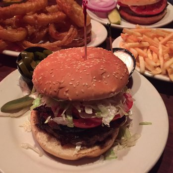 Redcoat Tavern - 350 Photos & 828 Reviews - Burgers - 31542 ...