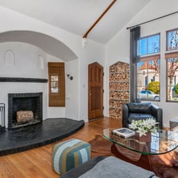 Photo Of Axel Staging   Oakland, CA, United States. A Living Room Staged
