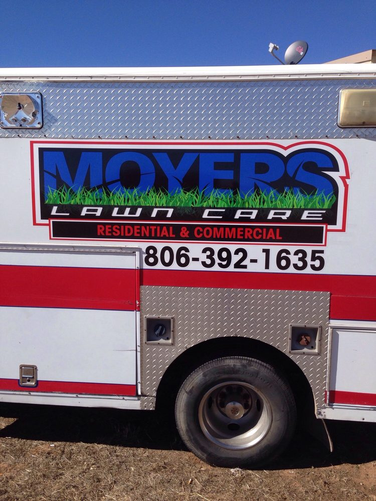 Moyers Lawn Care: Lubbock, TX