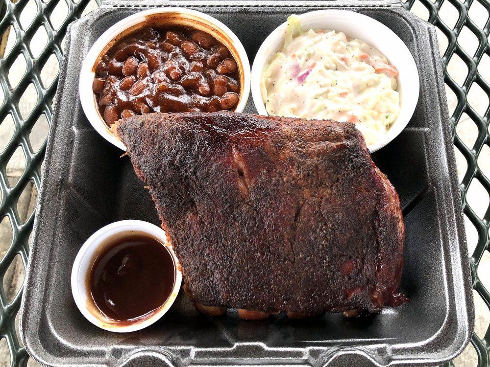 Moose's BBQ & Catering: 213 E Main St, Gardner, KS