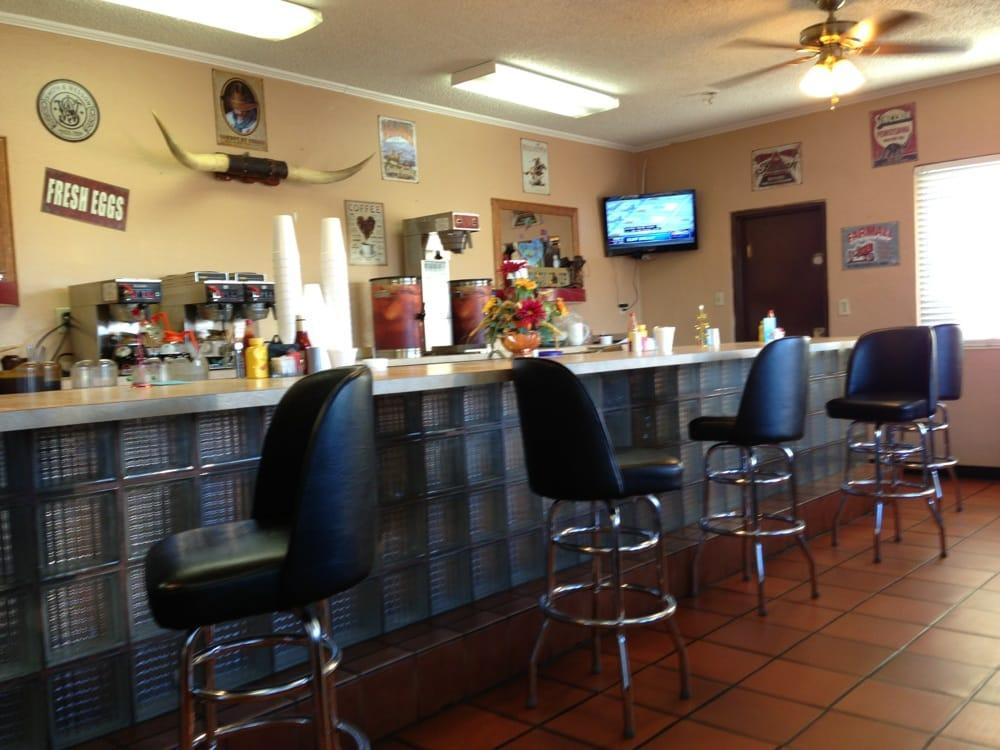 Frostproof Family Restaurant: 133 S Scenic Hwy, Frostproof, FL
