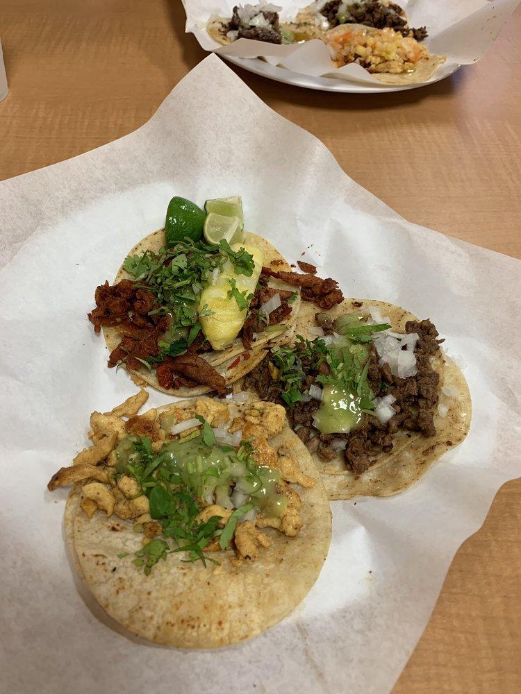 Food from Street Tacos Don Joaquin