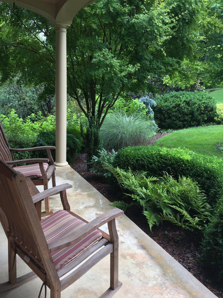 Englewood Lawn & Landscapes, LLC: 1032 Fordtown Rd, Kingsport, TN