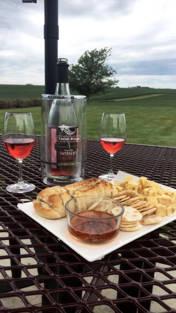 Tassel Ridge Winery: 1681 220th St, Leighton, IA