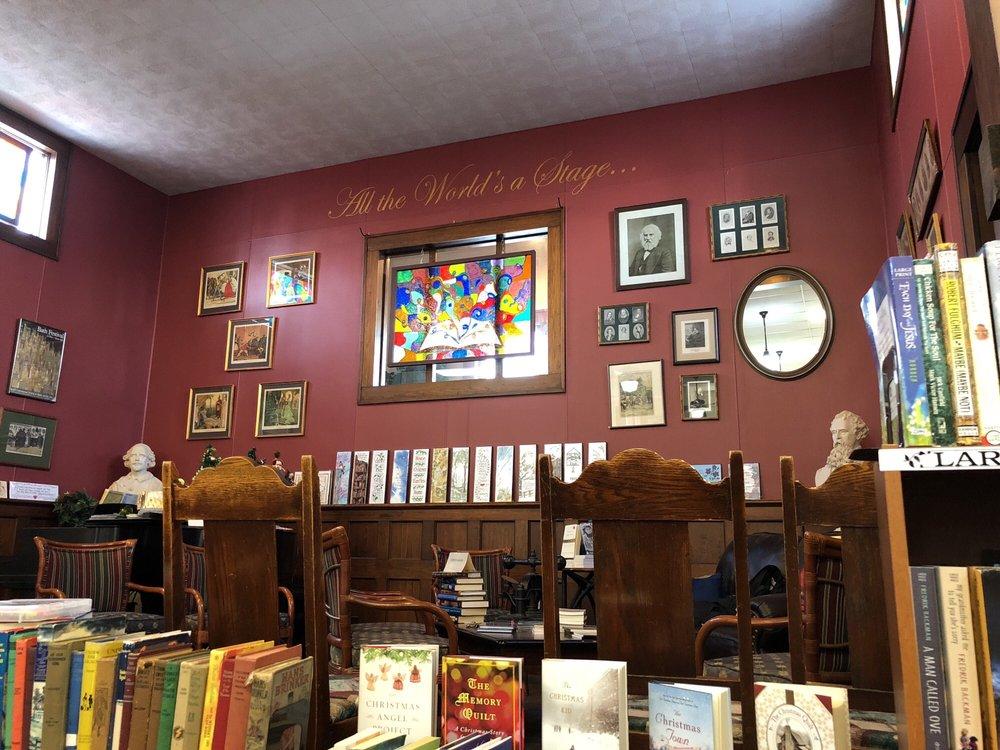 Reader's Realm: 147 East Montello St, Montello, WI