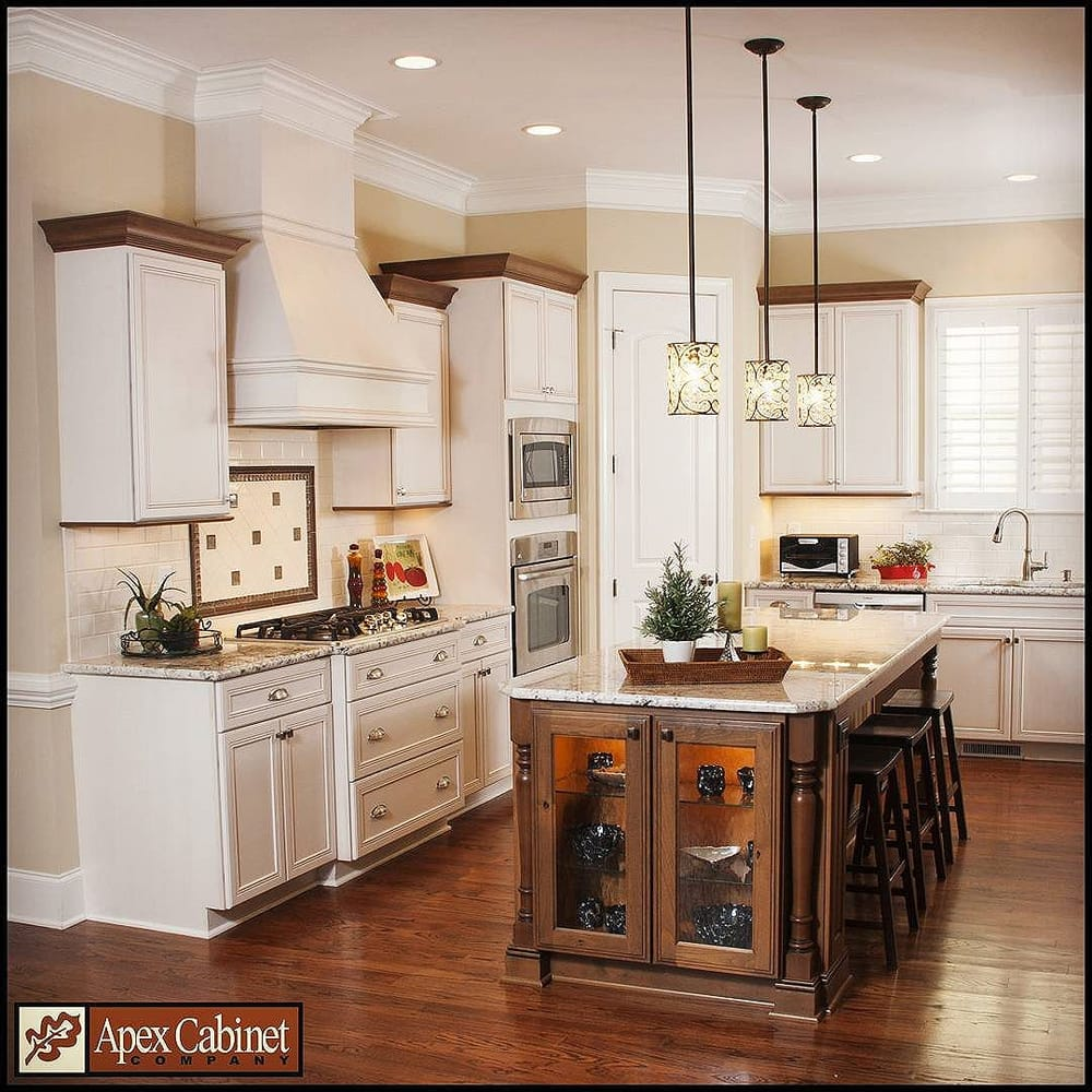 Vintage Kitchen Yelp: Beautiful 2-tone Kitchen With Omega And Dynasty Cabinetry