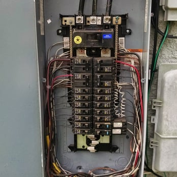 Typical 200 amp electrical panel -Outside/ weatherproof ... on