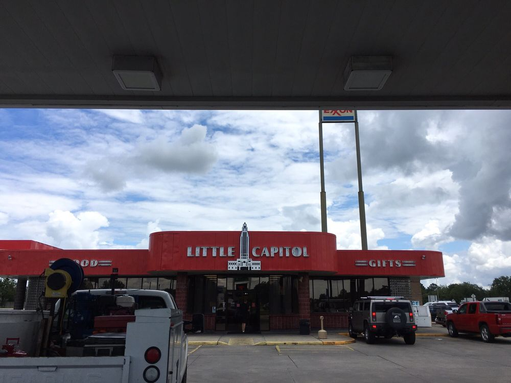 Diesi's Little Capitol Exxon: 2939 Grand Point Hwy, Breaux Bridge, LA