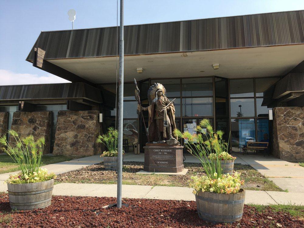 Shoshone Tribal Service & Food Mart: 3 N Fork Rd, Fort Washakie, WY
