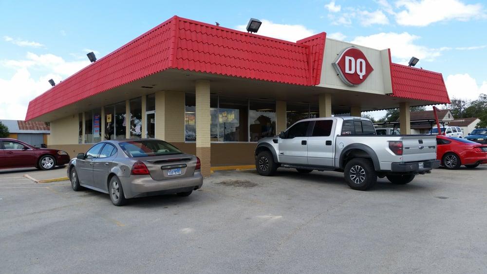Dairy Queen: 203 N Hwy 80, Karnes City, TX