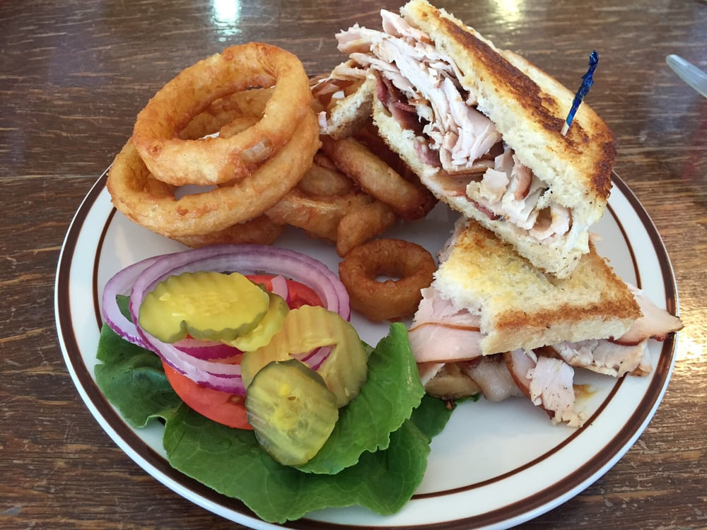 Y-Bar and Cafe: 140 Frontage Rd, Grand View, ID