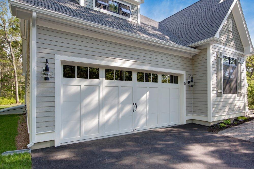 Tedford Overhead Doors & Gates: 1-755 Vanalman Avenue, Victoria, BC