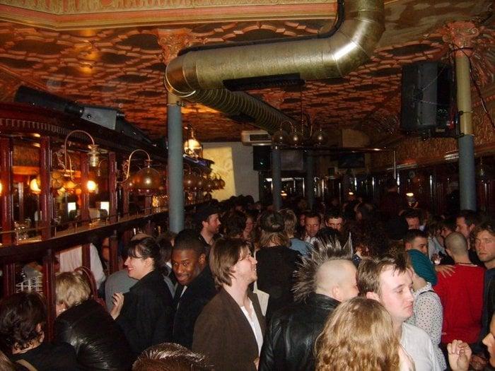 Browns strip pub hackney