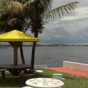 Banana Bay Waterfront Motel Geschlossen Hotel 23285 Bayshore