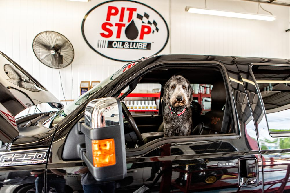 Pit Stop Oil & Lube: 1176 W Main St, Hallsville, TX