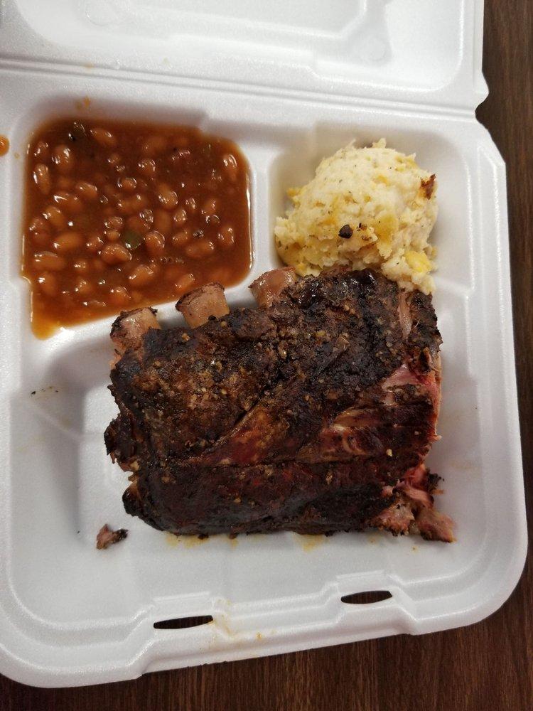 A & B BBQ: 1102 Paducah Rd, Mayfield, KY