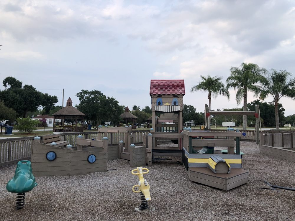 Sweetest Town Playground: 211 W Osceola Ave, Clewiston, FL