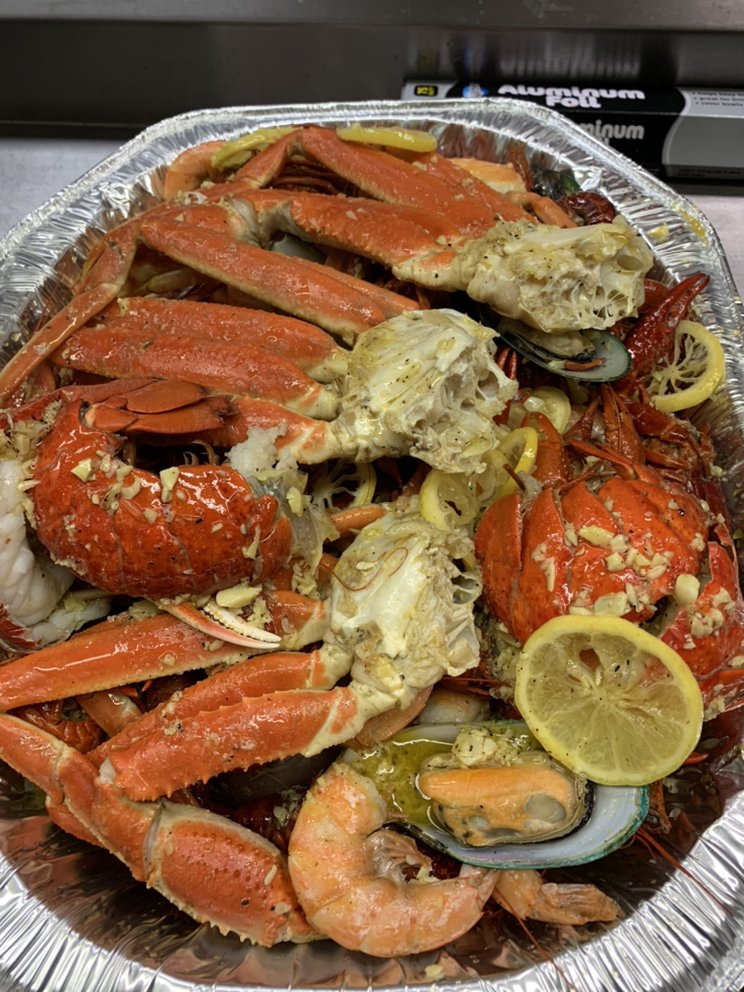 Yummy Crab: 2030 28th St SE, Grand Rapids, MI