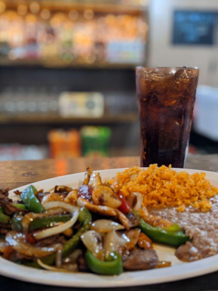 Mi Familia Mexican Restaurant: 219 SW Park St, Okeechobee, FL