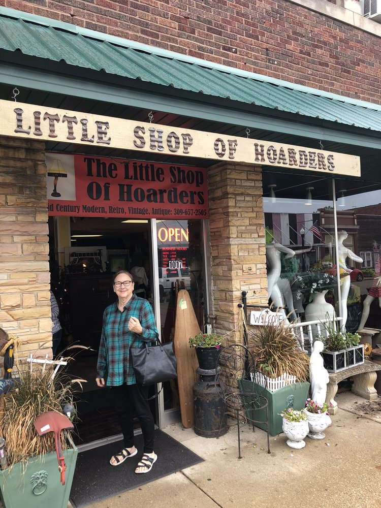 Little Shop Of Hoarders: 1017 N 2nd St, Chillicothe, IL