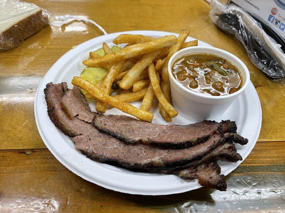 Ringo's BBQ and Burgers: 5102 Texas 359, Laredo, TX