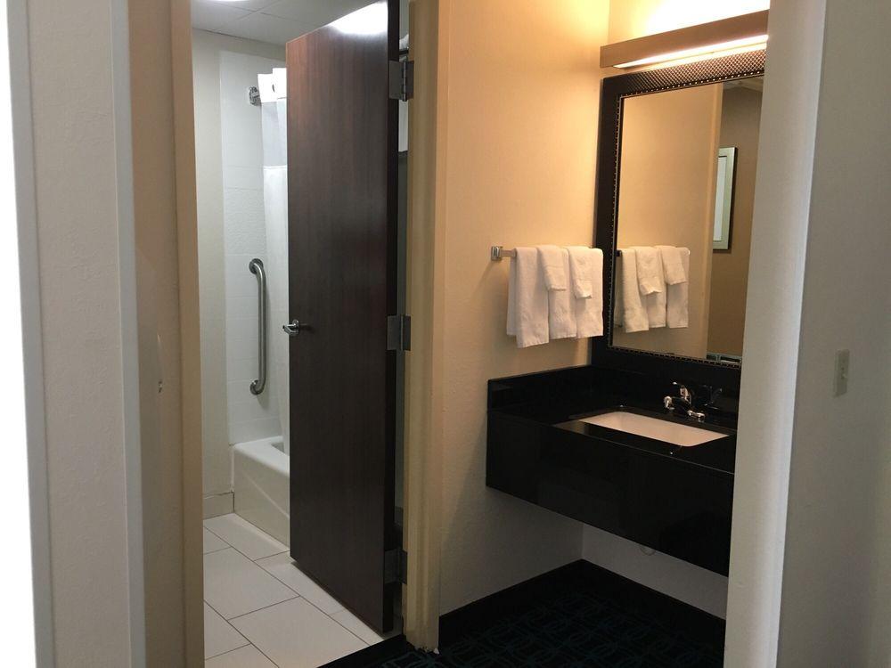 Fairfield Inn & Suites by Marriott Sandusky: 6220 Milan Rd, Sandusky, OH