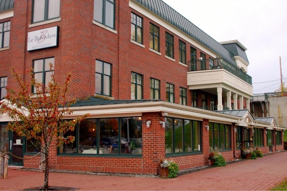 Le Belvedere: 100 Main St, Newport, VT
