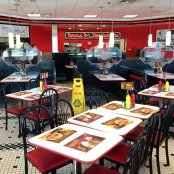 Steak n shake 24 photos 57 reviews overland park for Steak n shake dining room hours