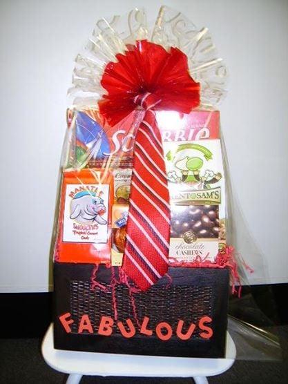 JK Flowers & Gift Baskets: 420 Indian Rocks Rd N, Belleair Bluffs, FL