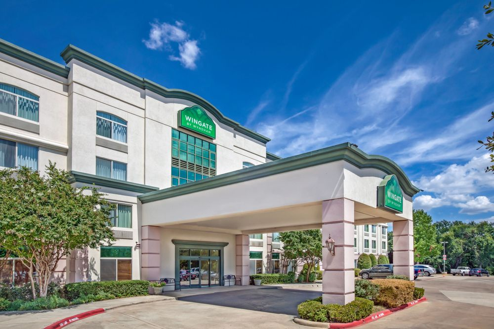 Wingate By Wyndham Greenville: 3212 South Memorial Drive, Greenville, NC