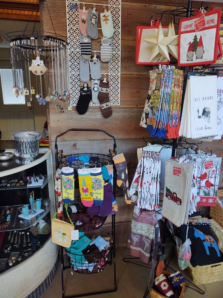 Dickens Pickins Boutique: 14760 Oakhill Rd, Scandia, MN